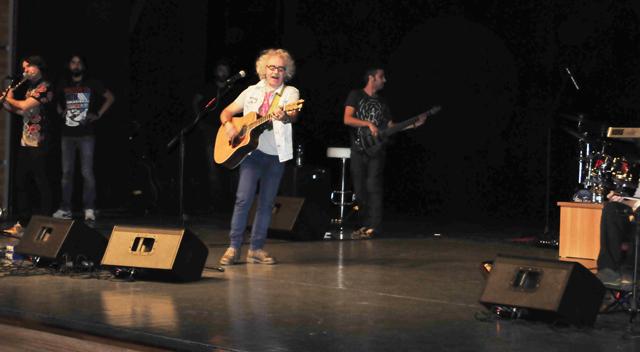 Yeni Türkü'den muhteşem konser