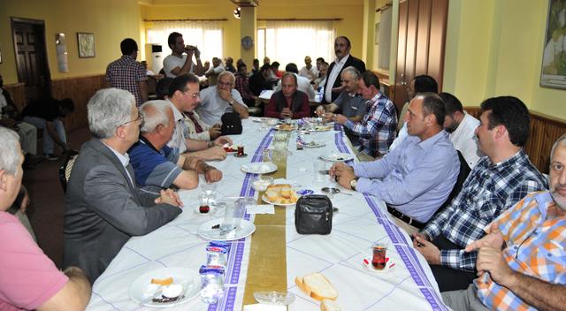 Yüksel Genç Trabzonlularla kahvaltıda buluştu