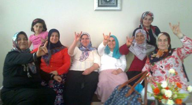 MHP Kadın Kolları Durmak Bilmiyor