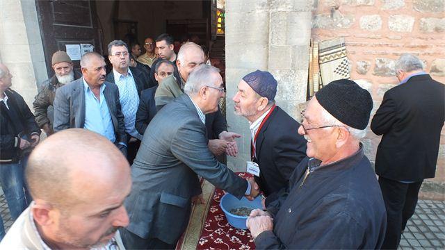 Öğüt'e  bayram namazını Gebze'de kıldı