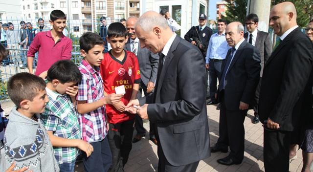 Başkan Akbaş, personelle bayramlaştı