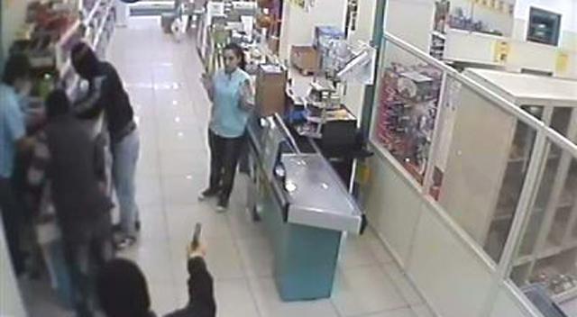 Çayırova'da silahlı soygun