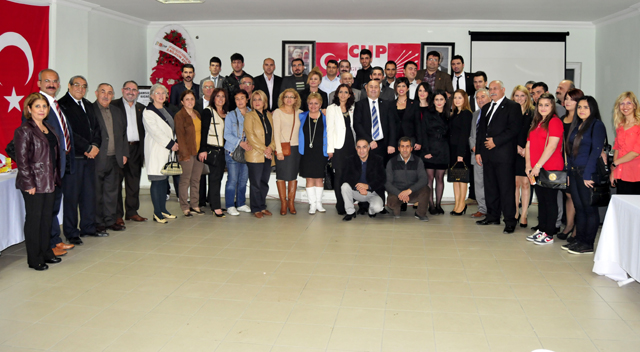 CHP'li gençlerden cumhuriyet eğlencesi
