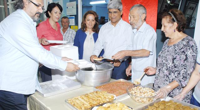 Kaplan, Kırım Türklerinin sahur aşına katıldı
