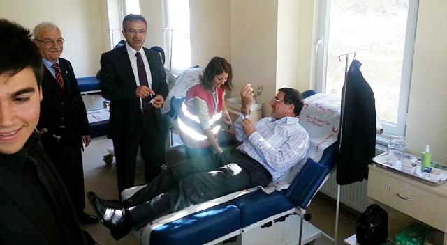 AKP'lilerden kan bağışı