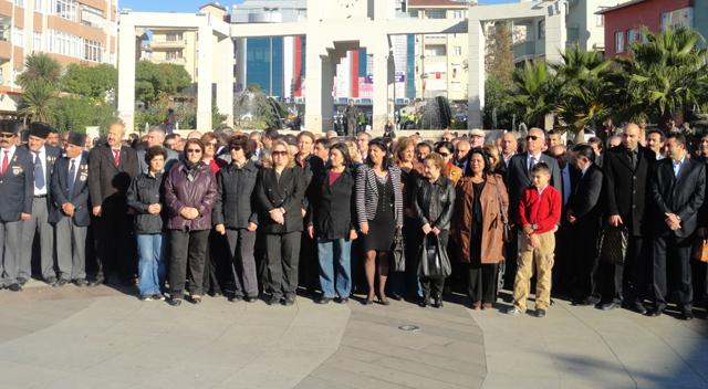 CHP Darıca 10 Kasım'ı dayatmalar rağmen andı