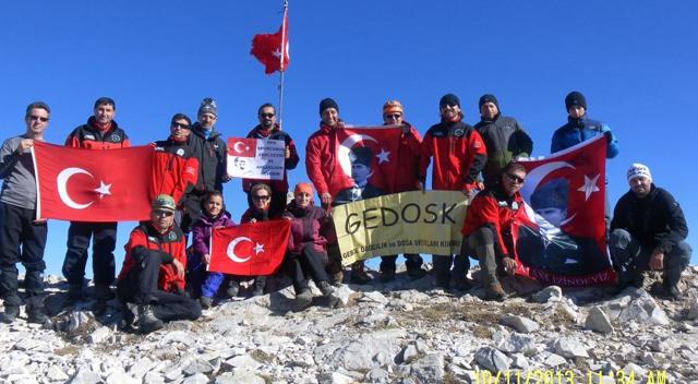 GEDOSK Atatürk'ü Uludağ Zirvesinde Andı