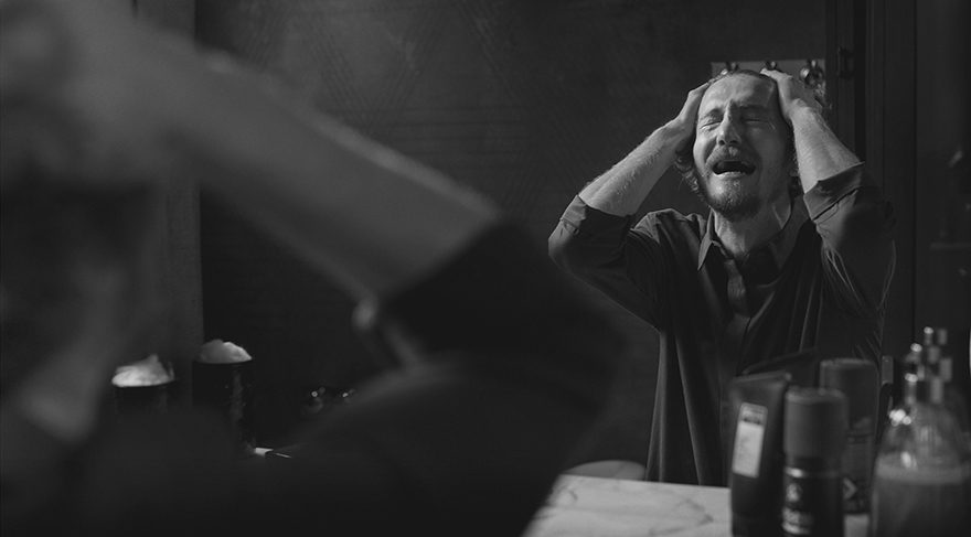 Bonomo 'Erkekler de ağlar' dedi rekor kırdı