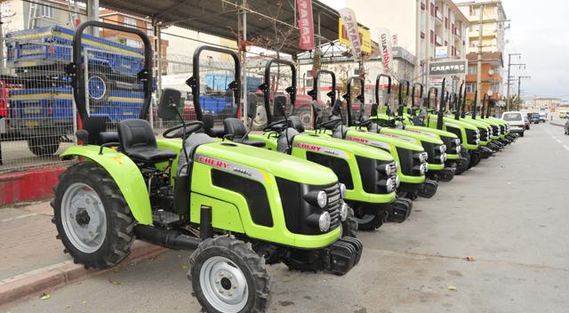 Karataş'ın Chery Traktörleri görücüye çıktı
