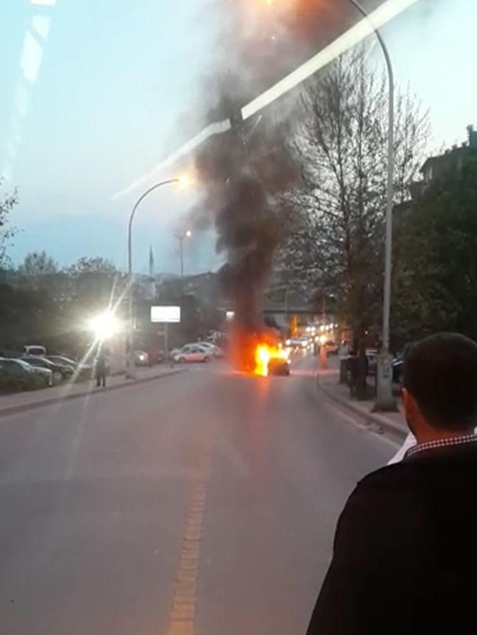 Otomobil böyle yandı
