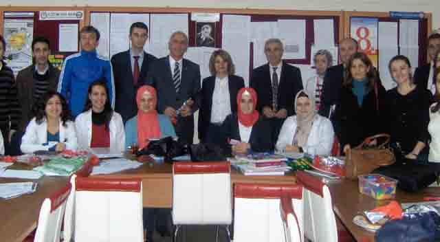 Hamşioğlu, 15 okulu gezdi