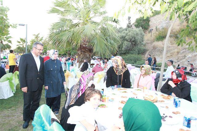 Gebze ailesi birlikte iftar yaptı