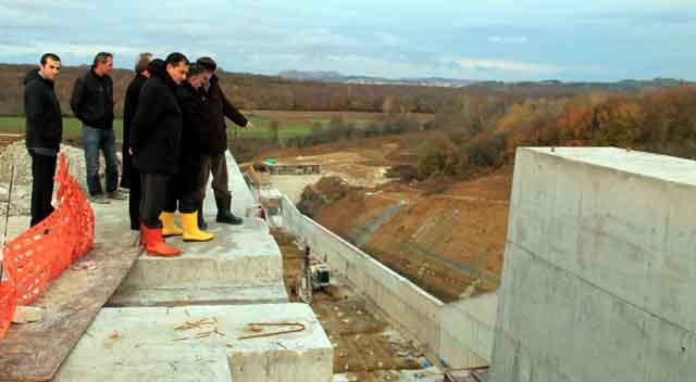 Bürokratlar Namazgah Barajını inceledi
