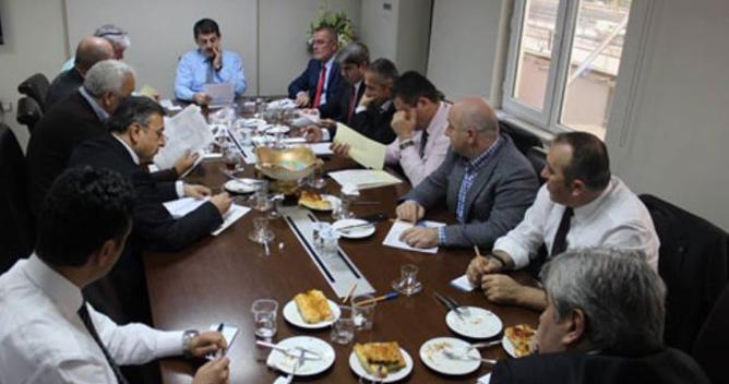 Civelek İlçe başkanlarıyla toplandı