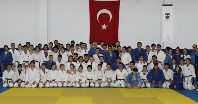 Ümit Judocular Ortak Kampta Buluştu