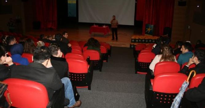 "Darıca'da ""Bilinçli Gençlik"" semineri"
