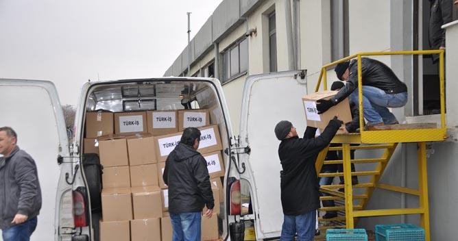Feniş'teki direniş işçilerine erzak yardımı