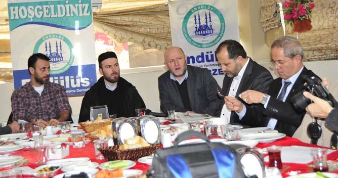 Endülüs Suriye muhalefetine yardım