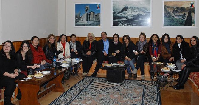 Kars Ardahan Iğdırlılar Kadın kolları kurdu