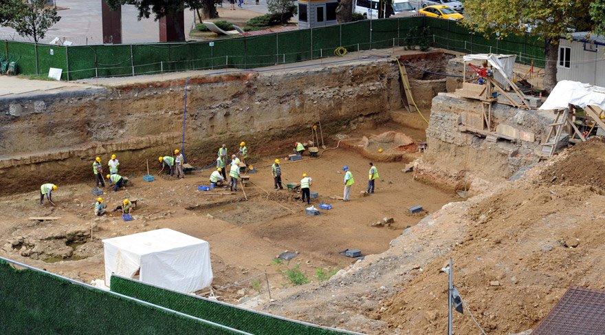 Metro kazısında heyecanlandıran gelişme: Türk mezarları bulundu!