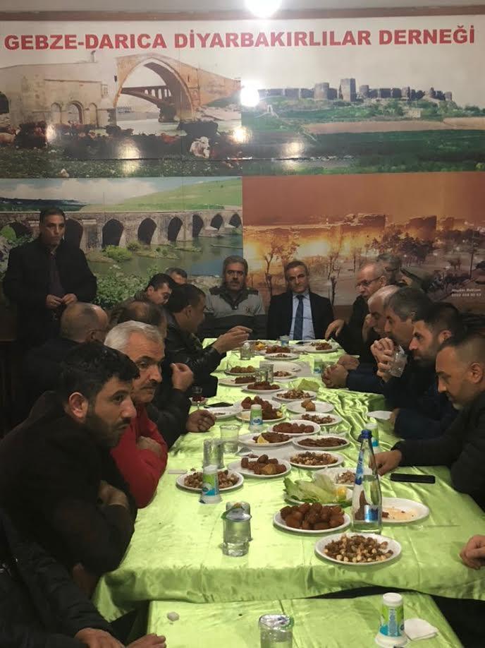 Diyarbakırlılardan geleneksel çiğköfte gecesi
