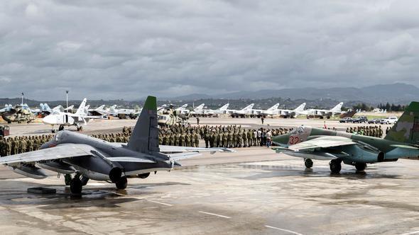 Rusya'ya Suriye'de yeni yıl şoku! 7 savaş uçağı yok edilmiş