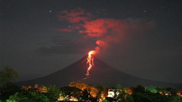 Filipinlerin en hareketli yanardağı aktifleşti