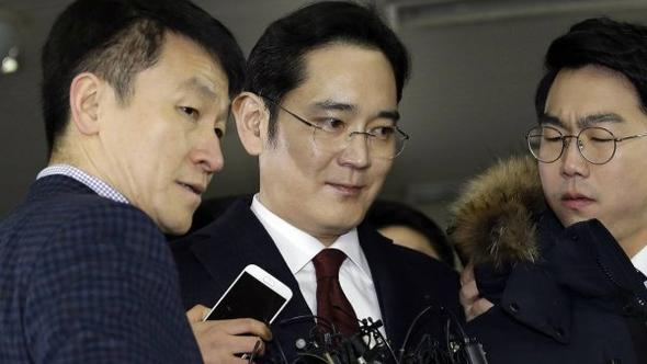 Samsung'un varisi bir yıl sonra serbest bırakıldı
