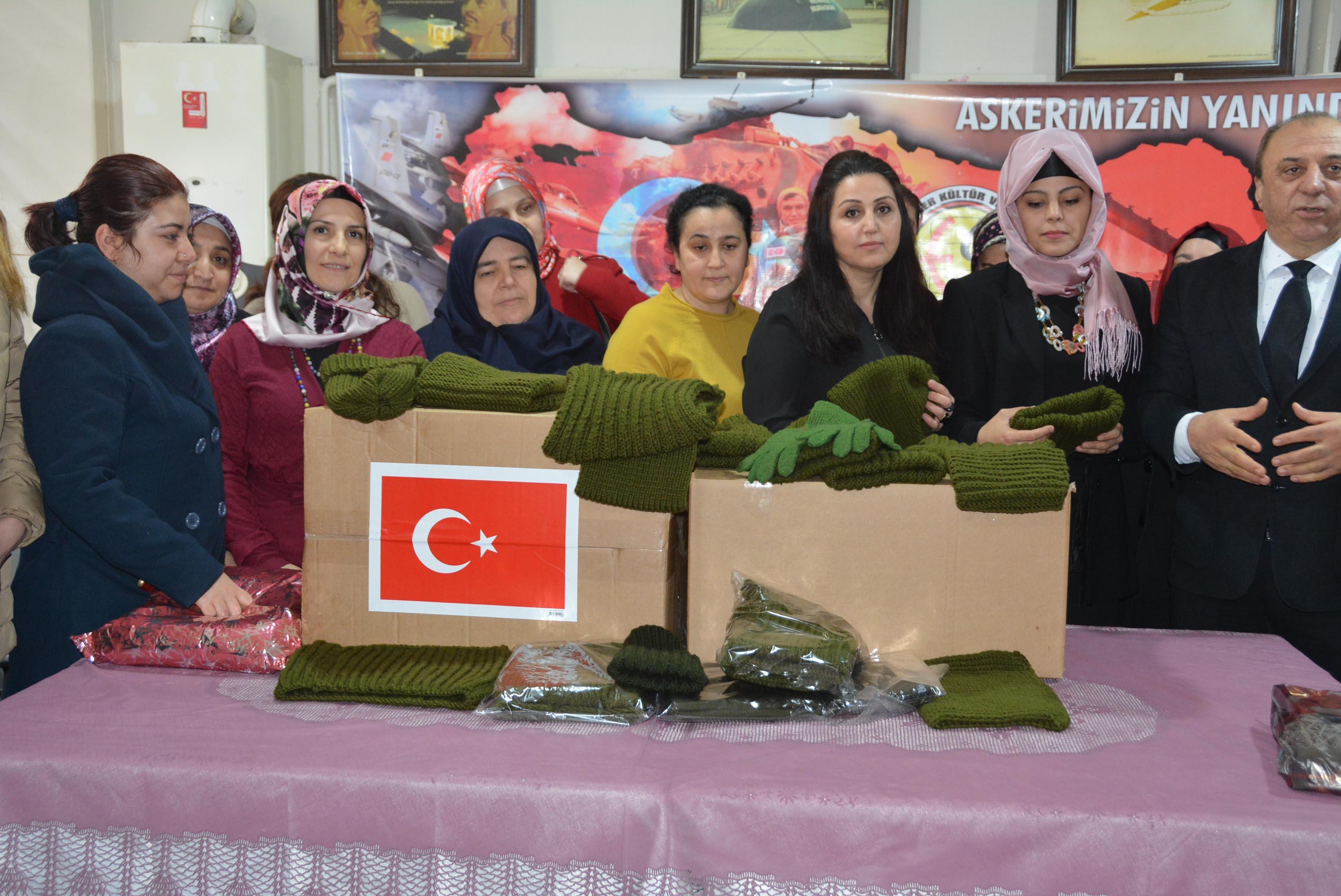 Afrin'deki askerler için ördüler