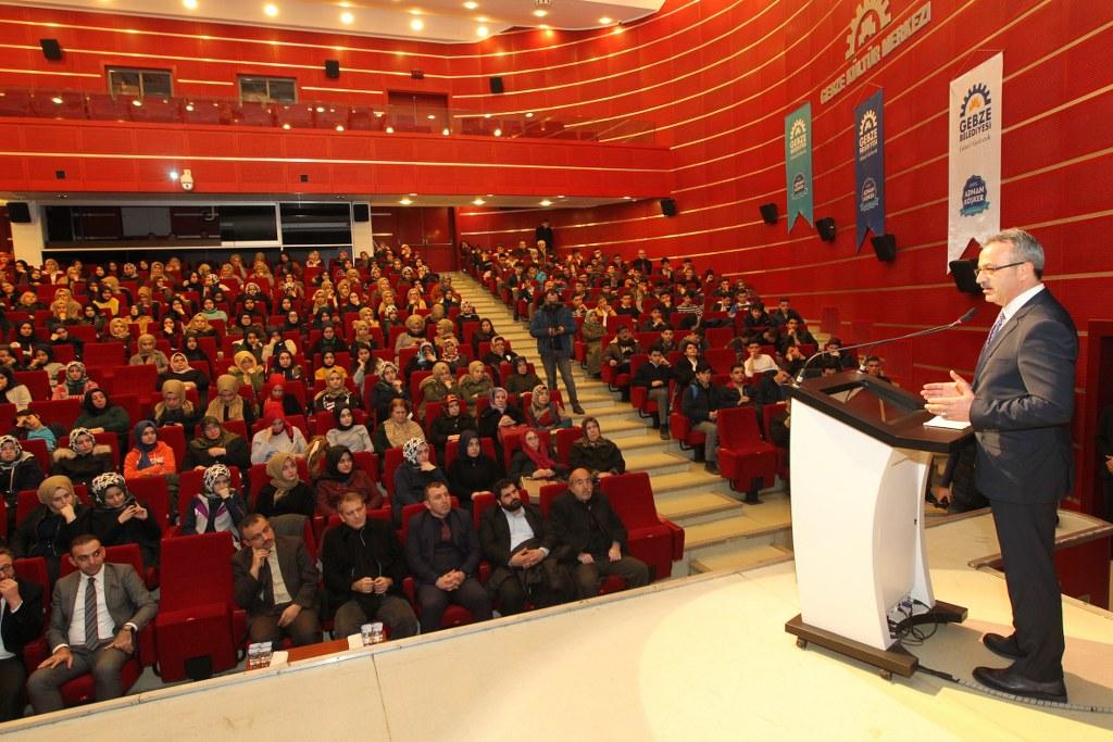 Gebze Belediyesi Abdülhamid'i andı