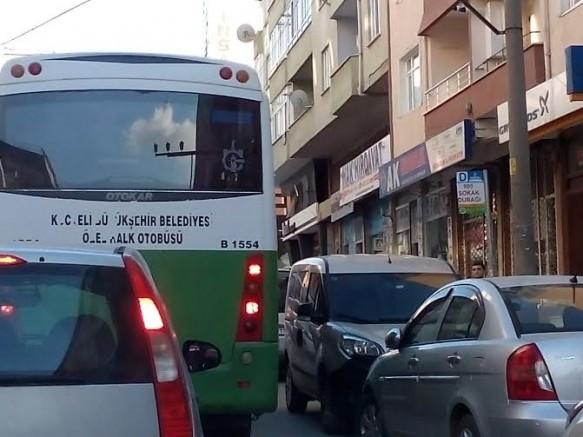 DURAKLAR İŞGAL ALTINDA!