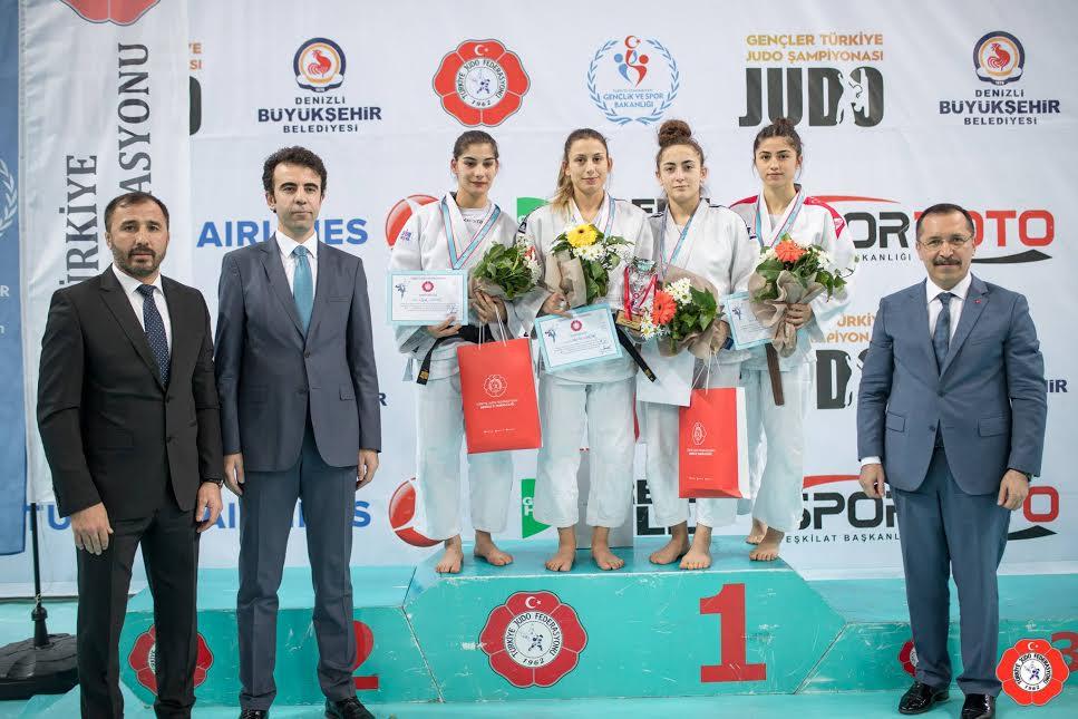 Judocular, gençlerde Türkiye üçüncüsü