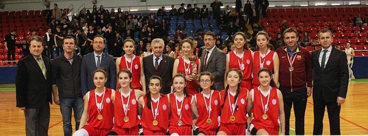 Şampiyon Şehit Özcan Kan Fen Lisesi