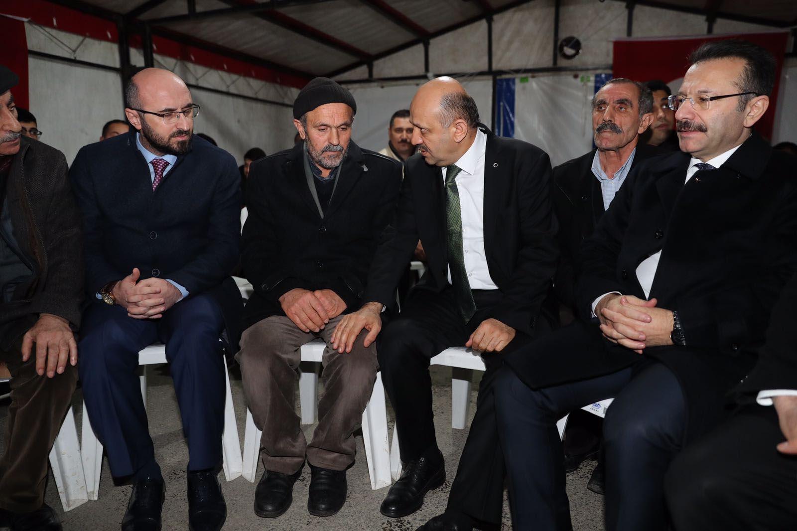 Başbakan Yardımcısı Işık, şehit ailesini ziyaret etti