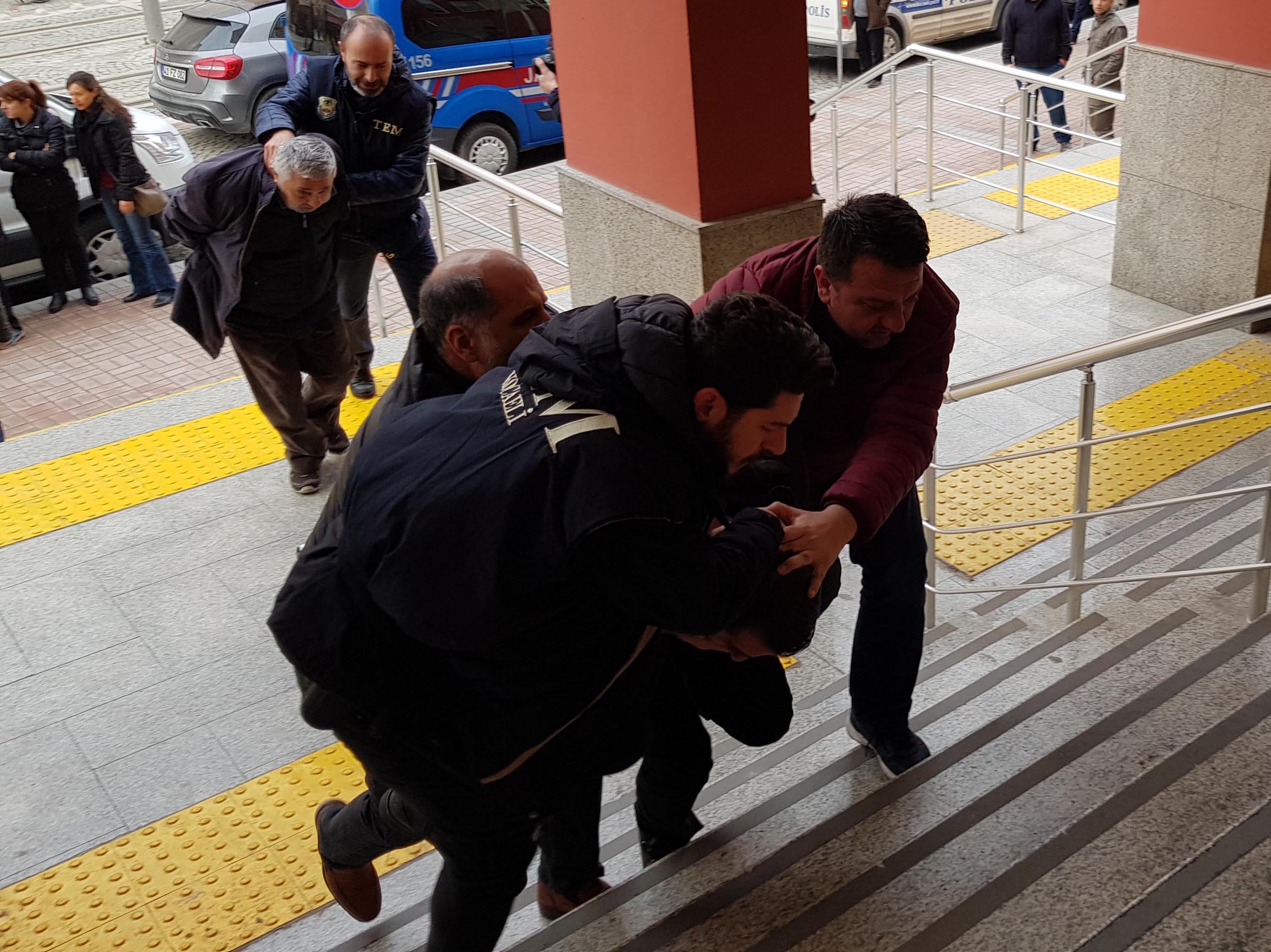 HDP ilçe eş başkanları tutuklandı