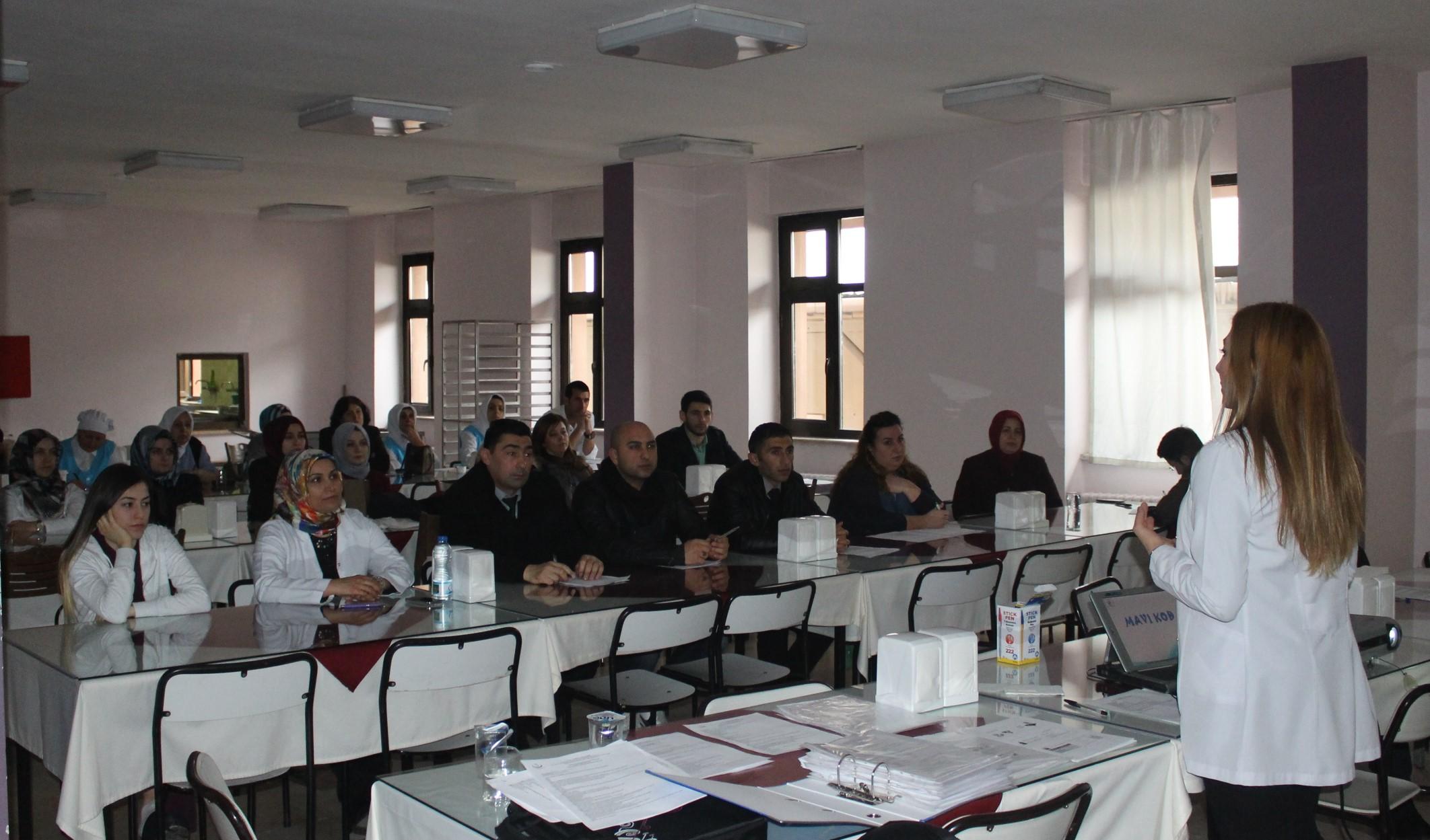 Fatih Devlet'te eğitimler sürüyor