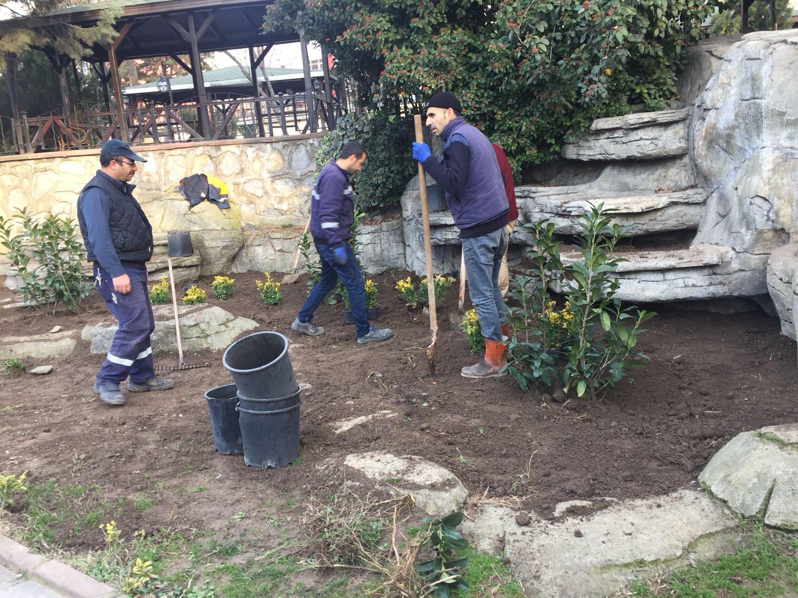 Park bahçelerde Bahar'a hazırlık