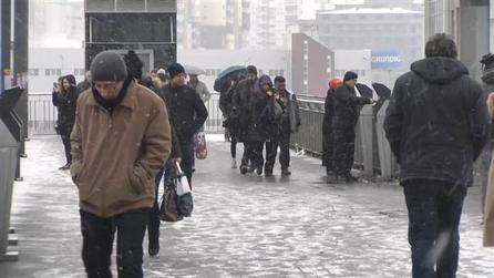 İstanbul'da kar yağışı başladı.. İşte kentte son durum