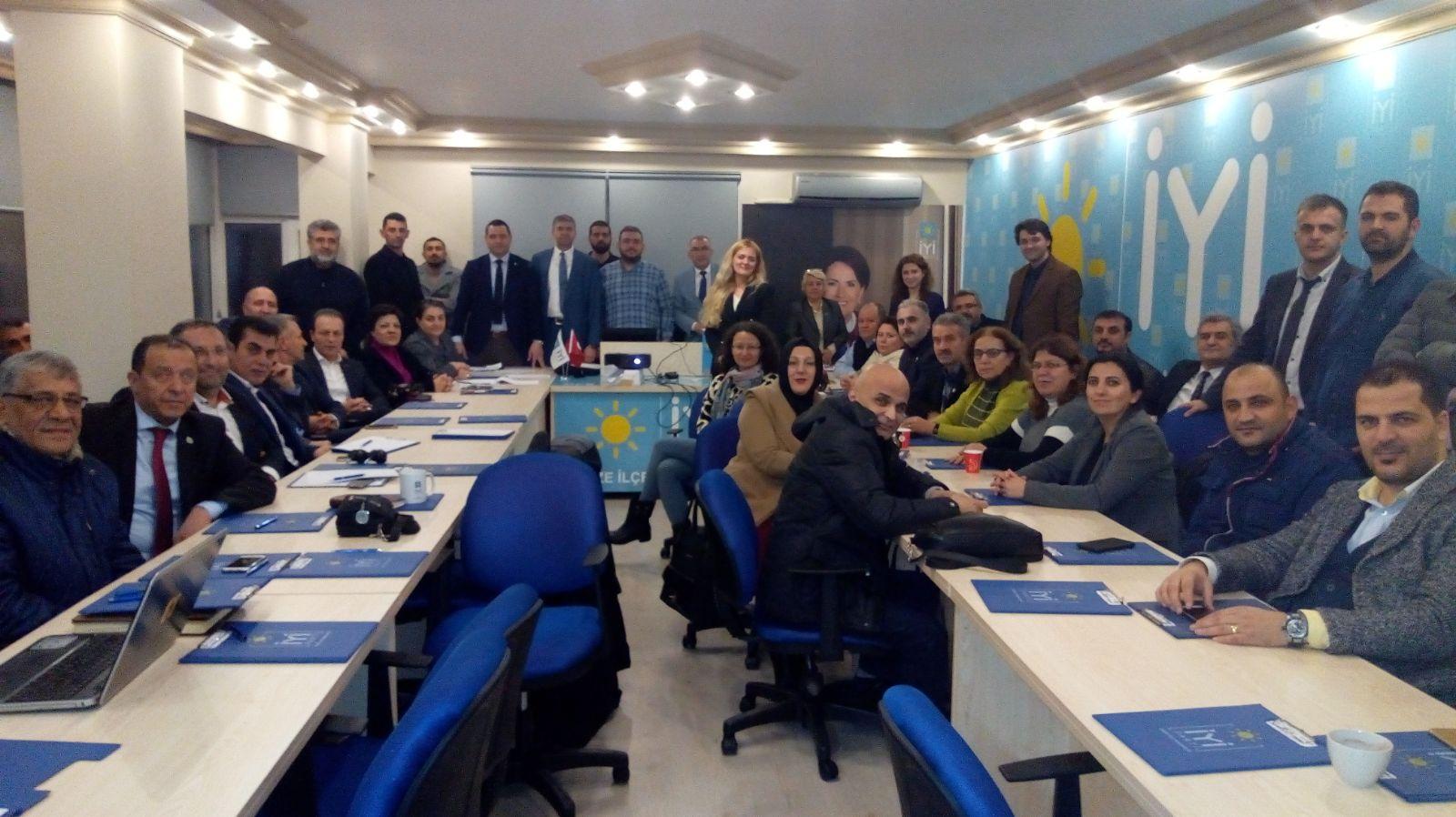 İYİ Parti'de il başkanlı toplantı