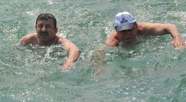 Vatandaş içmeye su bulamazken başkanlar deniz sefasında