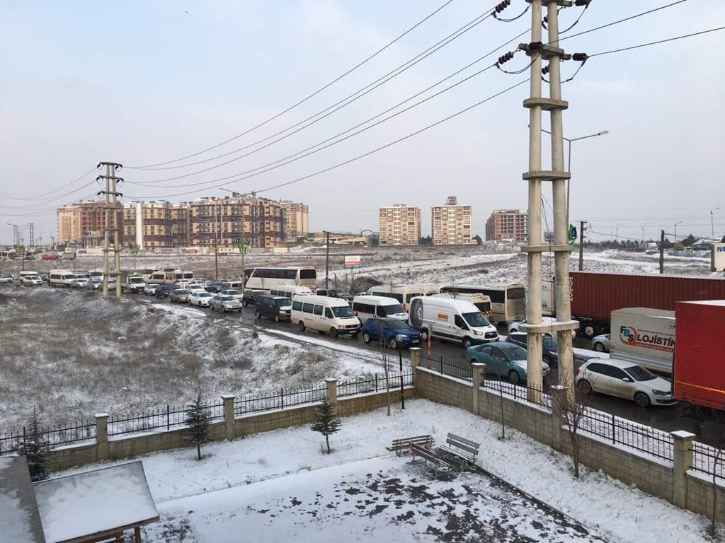 SGK önünde trafik çilesi