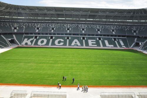 Yeni stadyuma çim engeli!