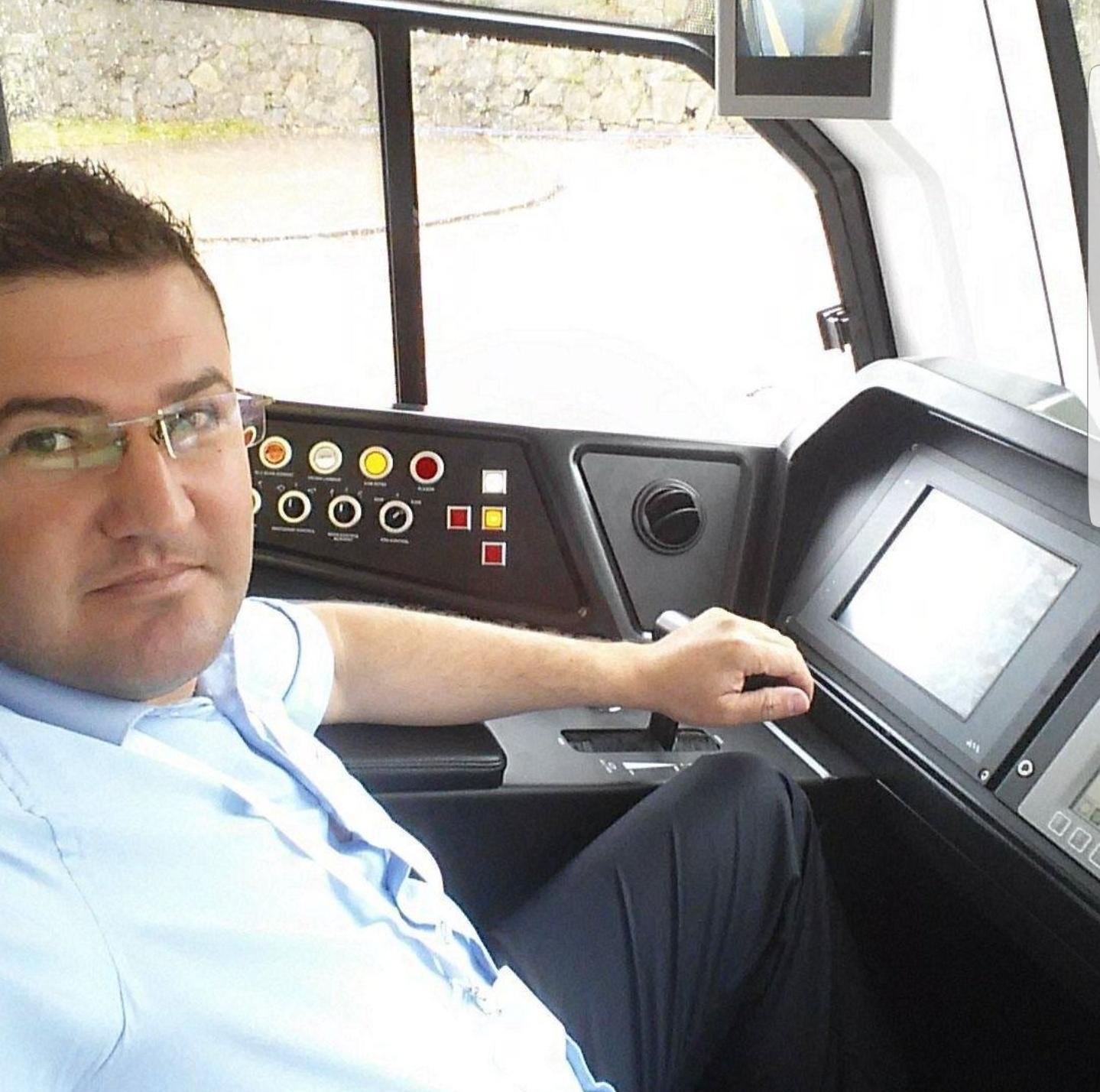 Tramvay vatmanı kazada öldü