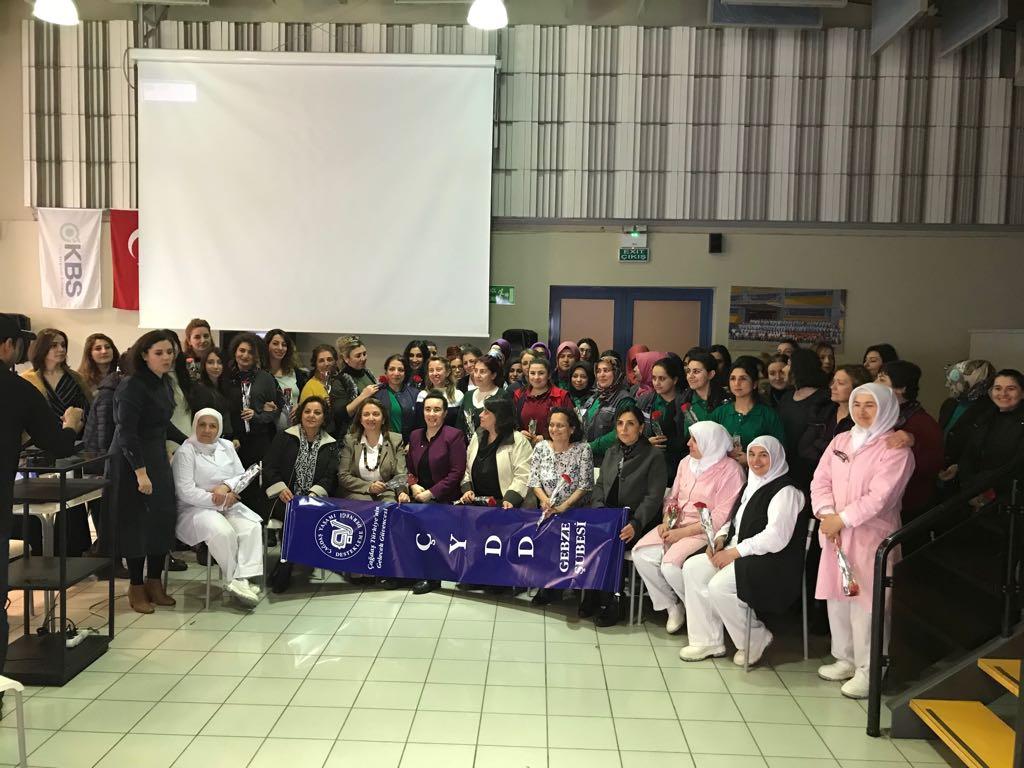 ÇYDD'den emekçi kadınlara seminer