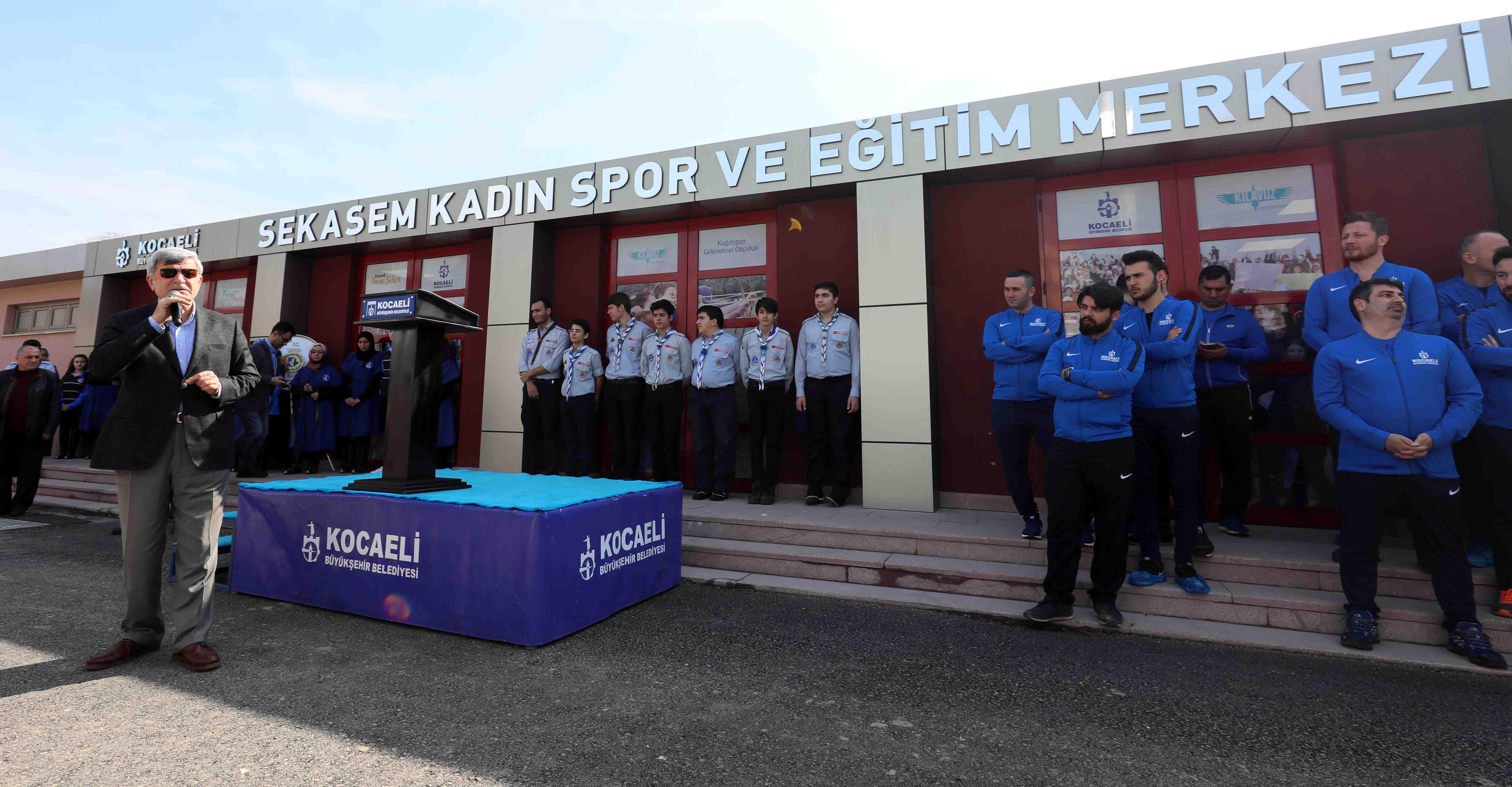 """Karaosmanoğlu, """"Binlerce kadınımızı evlerden, spor ve yaşam merkezlerine taşıdık"""""""
