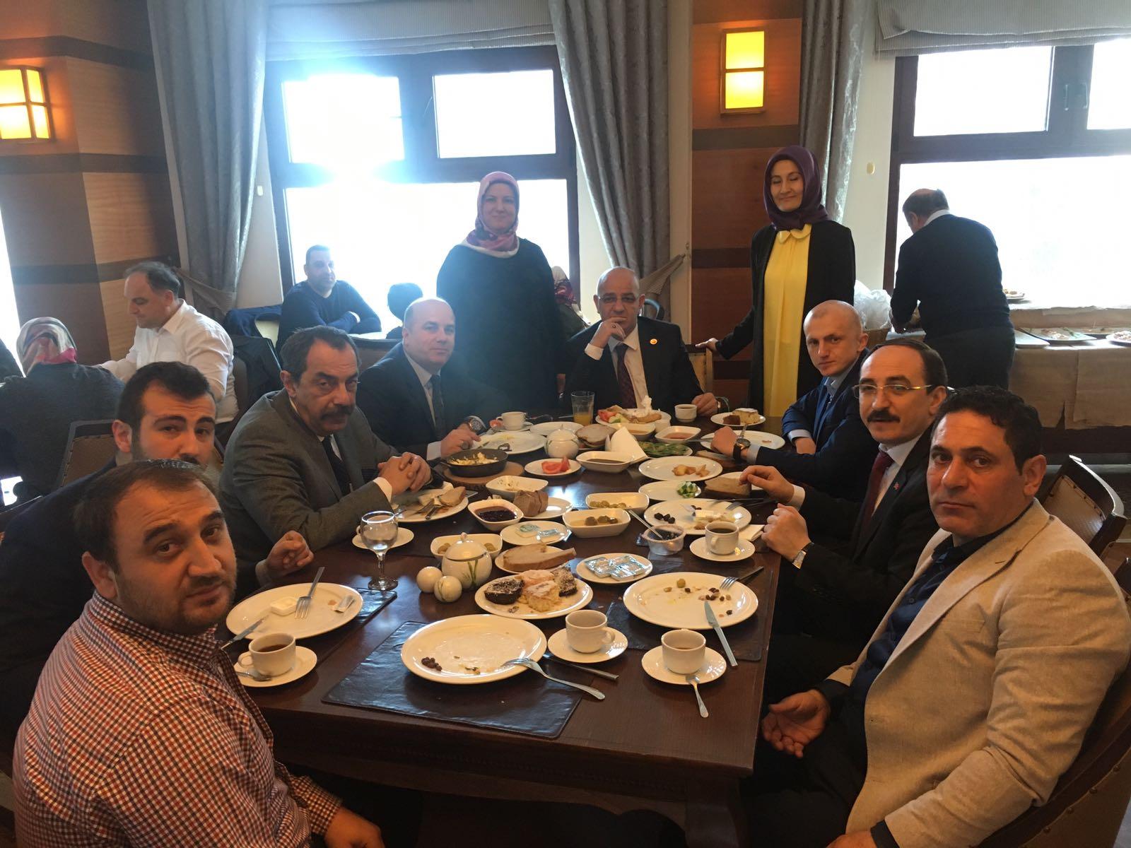 MHP Çayırova kahvaltıda buluştu