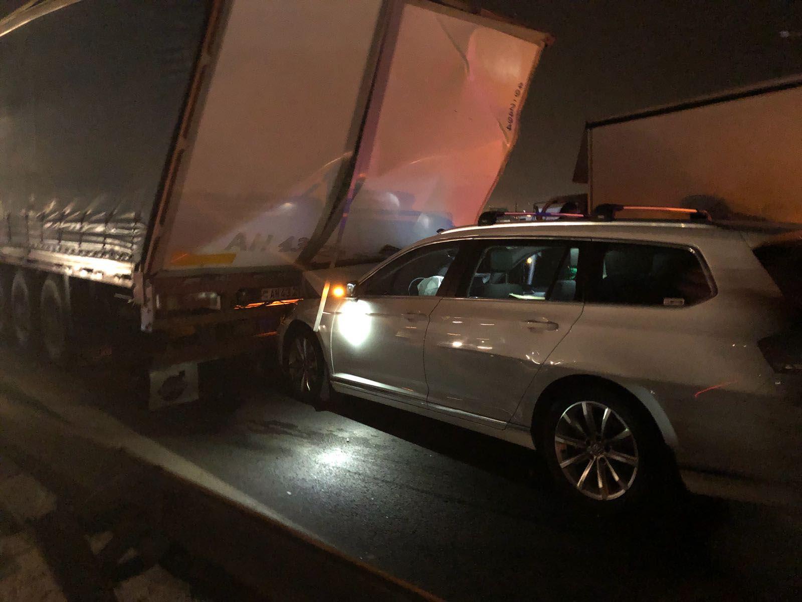 7 araç birbirine girdi: 6 yaralı