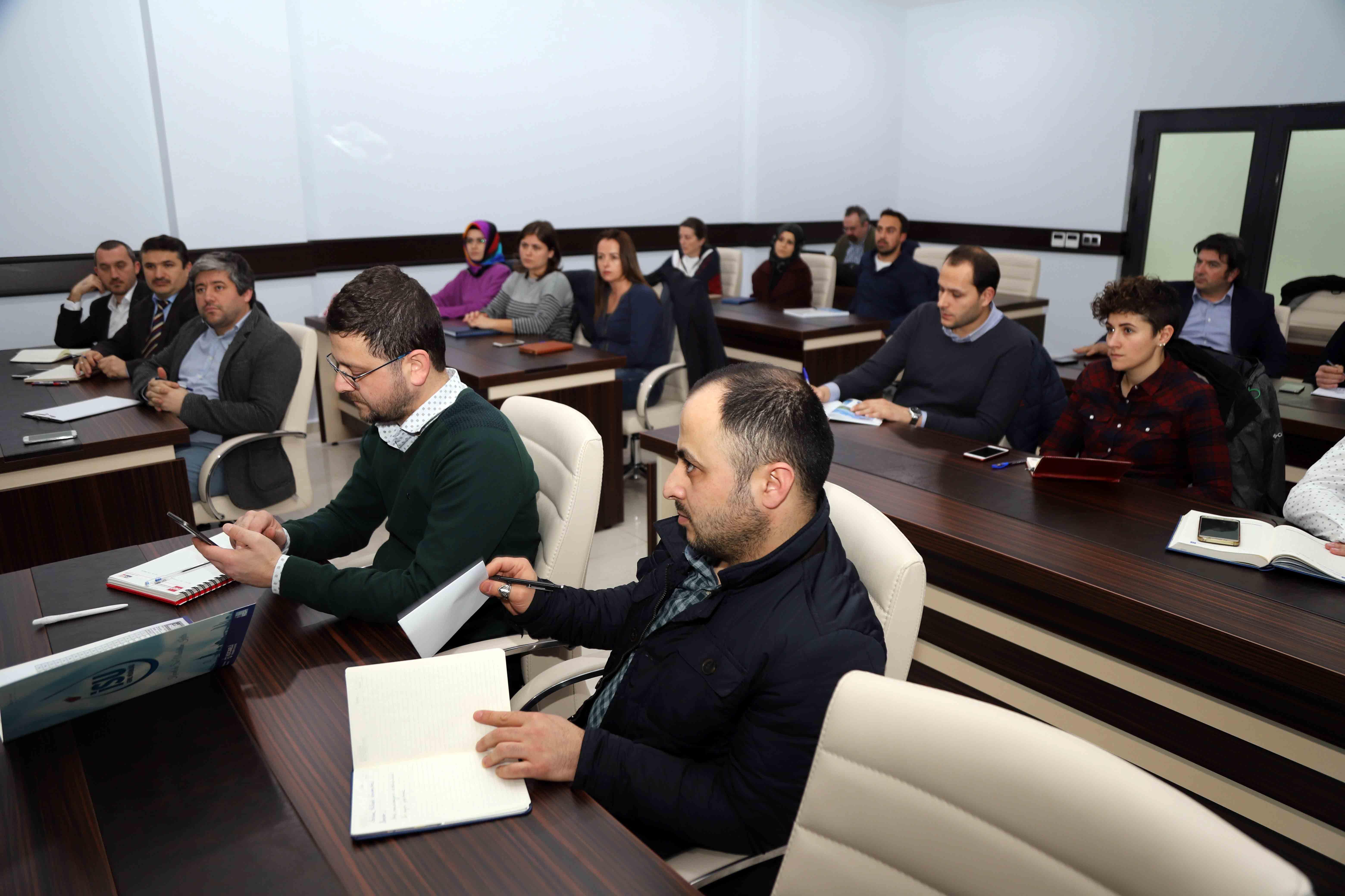 İSU personeline eğitim