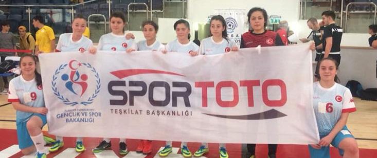 İsrail'de kızlar yarı finalde