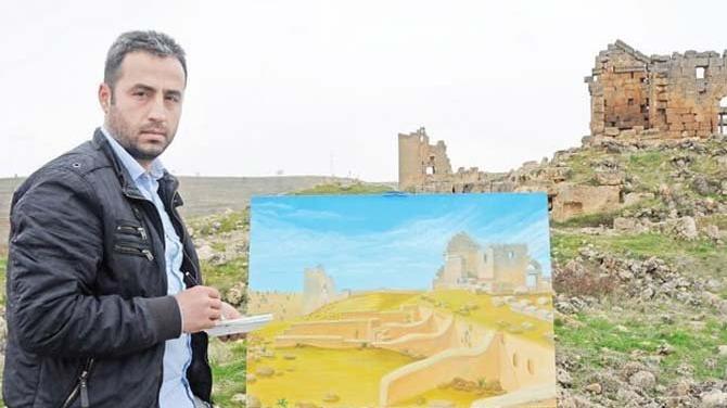 İnşaat işçisi Cahit Caner çizdiği resimlerle dikkat çekiyor